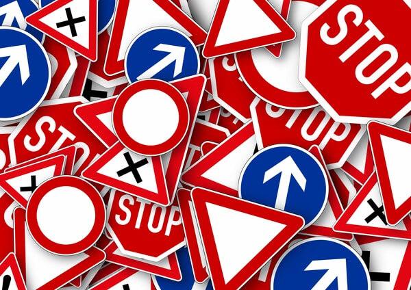 YouTube: правила руху